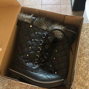 SOREL Tofino winter boots!!